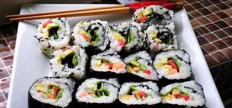 VEGGIE SUSHI ROLLS in 10 STEPS
